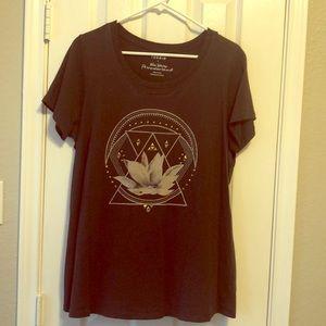 Torrid T-shirt Lotus flower Brass studs Sz 1x